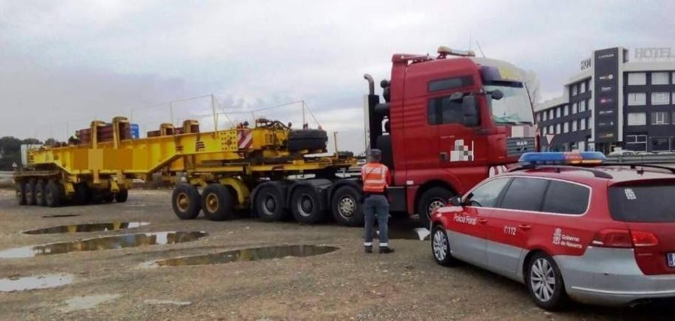 Inmovilizado en Castejón un transporte con destino a Calahorra por dar el conductor del coche piloto positivo en cannabis