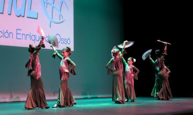 Gala solidaria de Fundeo para Angola en el teatro Ideal