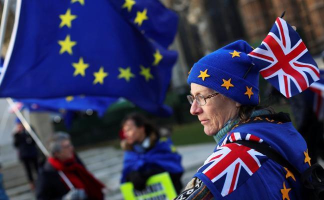 La UE avala la «operación parar el 'brexit'»