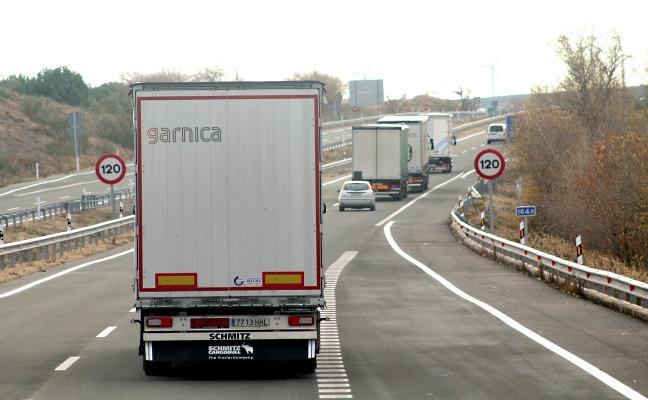 """Los transportistas riojanos, inquietos ante el anunciado """"impuesto francés"""""""