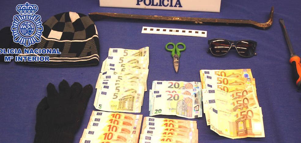 Tres ladrones detenidos cuando robaban en un piso de Logroño