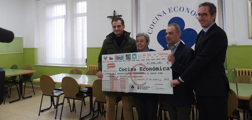 Donan casi 4.000 euros del Belén Monumental a la Cocina Económica