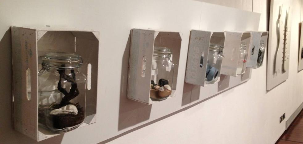 La exposición 'Las manos hablan' contrasta la escultura conceptual y clásica