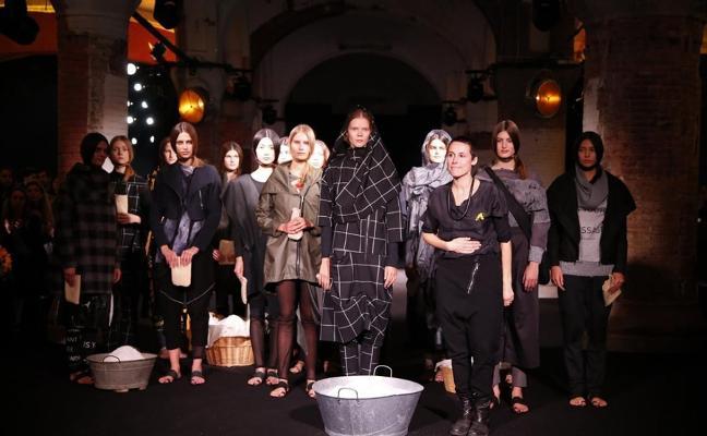 APOYO AL 'PROCÉS' La moda se enfunda el traje más político
