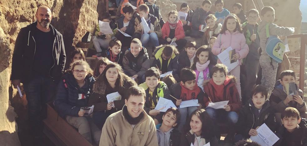 El colegio de Cenicero visita el castillo de Nalda