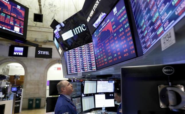 El Dow Jones cae un 4,60% y registra la mayor pérdida en puntos de su historia
