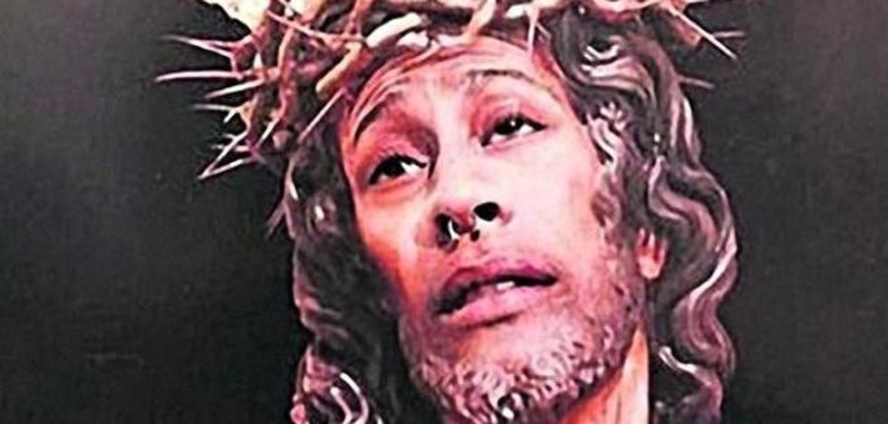 Condenado con 480 euros de multa por publicar un fotomontaje de un cristo con su cara