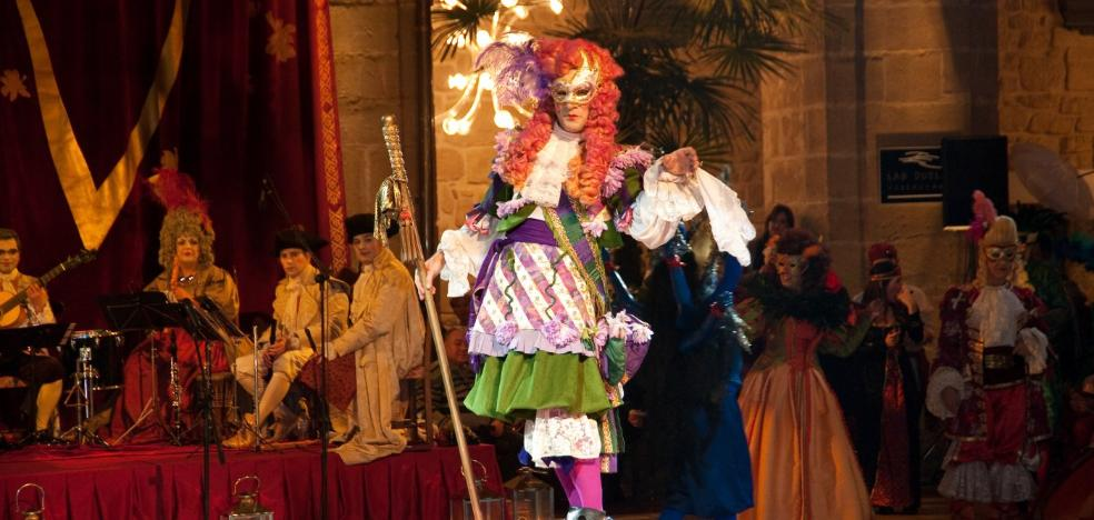 Un circo en el claustro de Los Agustinos