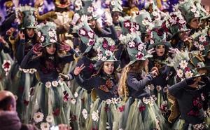 Un desfile de Carnaval muy numeroso pese al frío