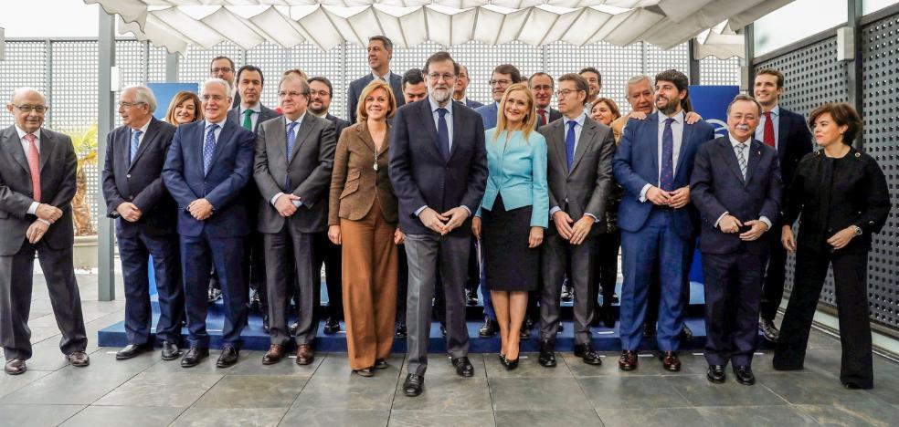 Rajoy da voz a sus barones en la estrategia del Gobierno para rearmarse frente Ciudadanos