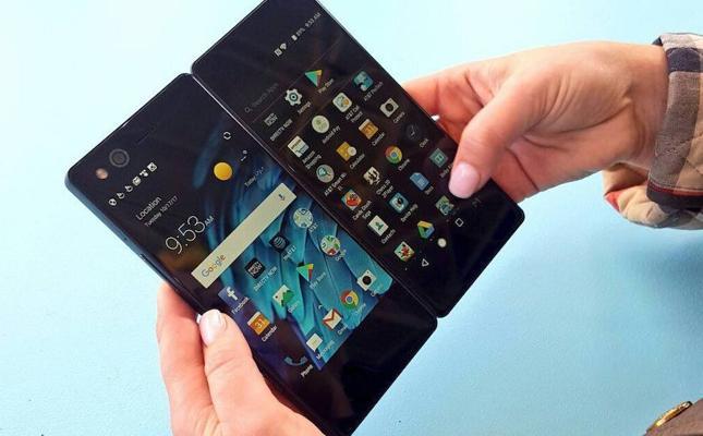 Llega a España el primer smartphone con doble pantalla plegable