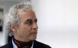 Ildefonso Falcones niega las acusaciones de Fiscalía y asegura que su mujer no firmó nada