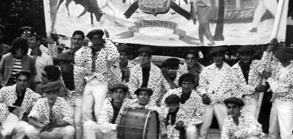 Peñistas de  La Revoltosa, en Estella