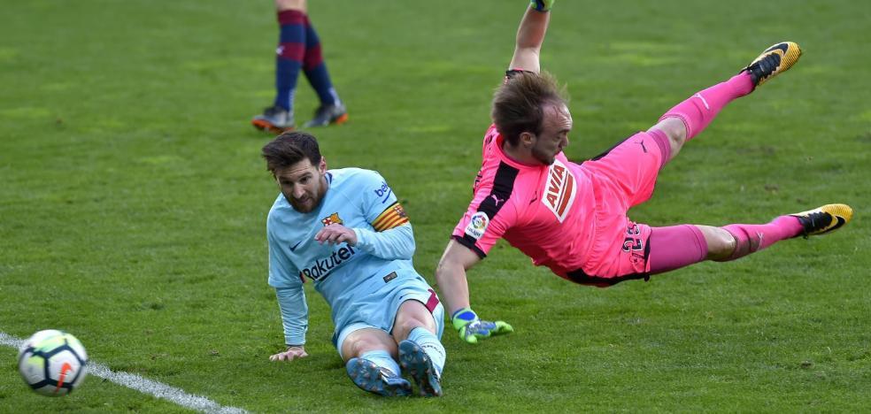 El Barcelona sufre para vencer al Eibar en Ipurúa