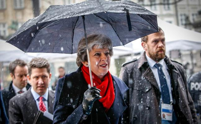 May pide un tratado urgente con la UE sobre seguridad y defensa tras el 'brexit'