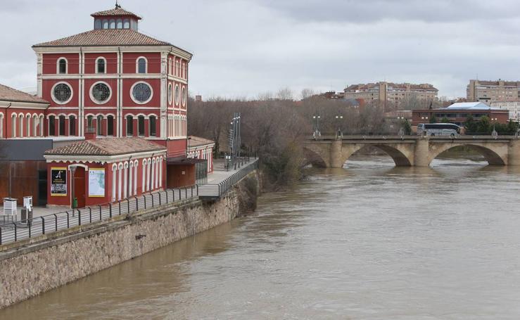 El Ebro sube su nivel en Logroño