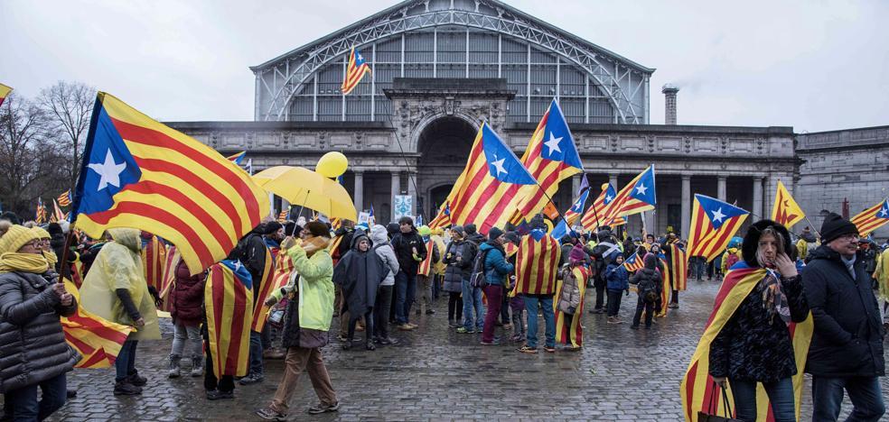 El apoyo de los catalanes a la independencia cae al 40,8%