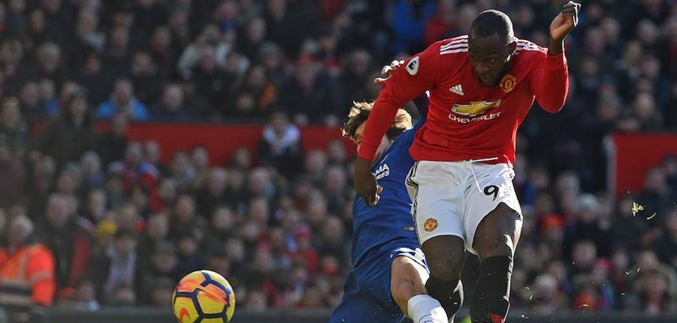 Lukaku conduce la remontada del United ante el Chelsea