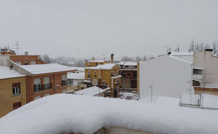 Las localidades riojanas se cubren de nieve