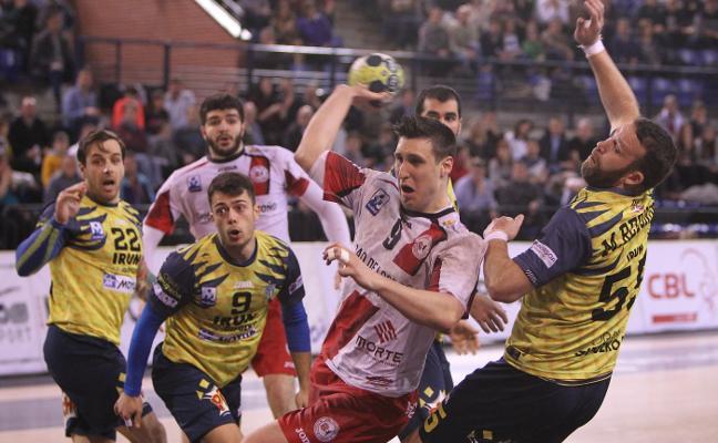 El Ciudad de Logroño regala el empate