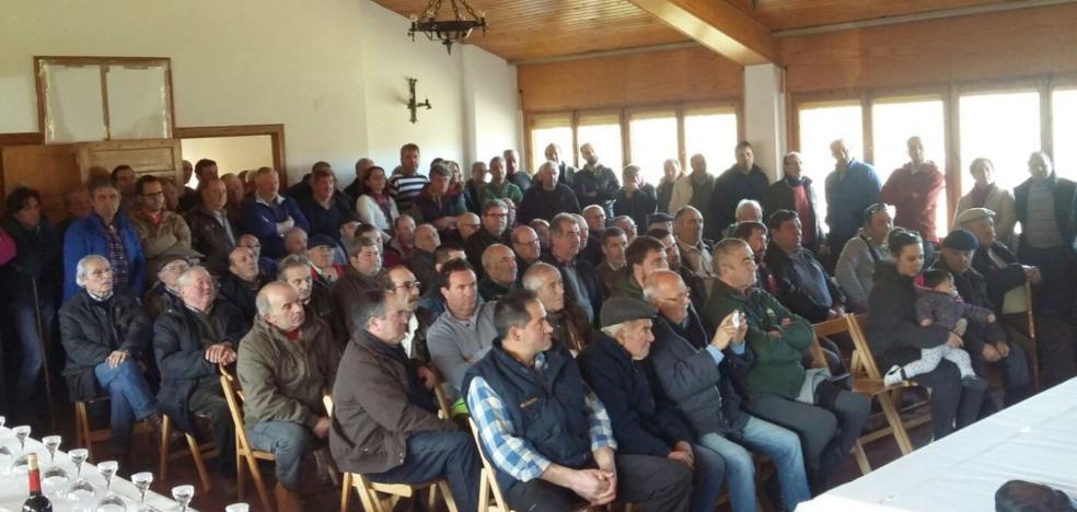 Pazuengos acogió el sorteo anual de novillas del Gobierno de La Rioja