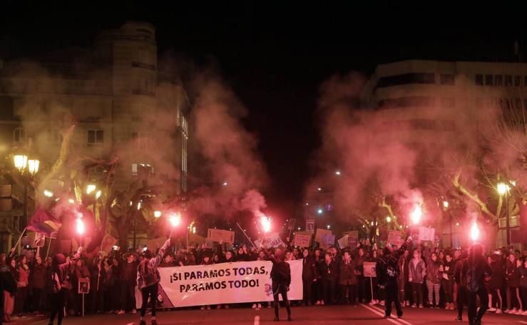 Multitudinaria manifestación de despedida del Día Internacional de la Mujer