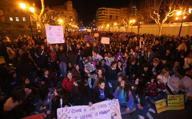 Manifestación de la Plataforma 8M en Logroño