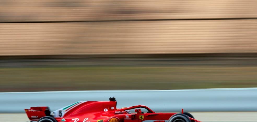 El Ferrari de Vettel vuela