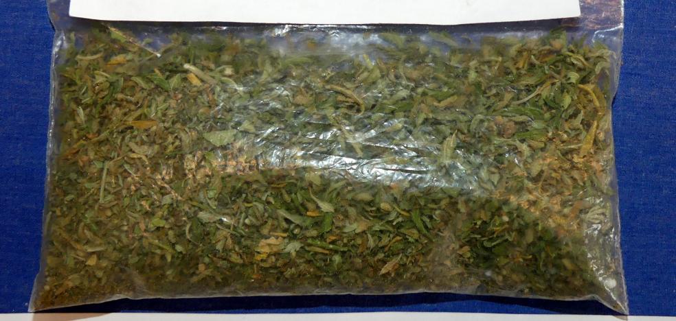 La Policía desactiva un punto de venta de marihuana a menores en Logroño