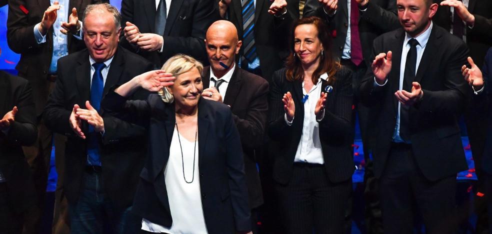 Marine Le Pen propone transformar al FN en el nuevo Reunión Nacional
