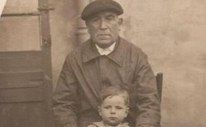 Retrato de abuelo con nieto en Calahorra