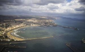 Detenidos en Melilla tres jóvenes que se dedicaban a lanzar drogas al interior del patio de la cárcel