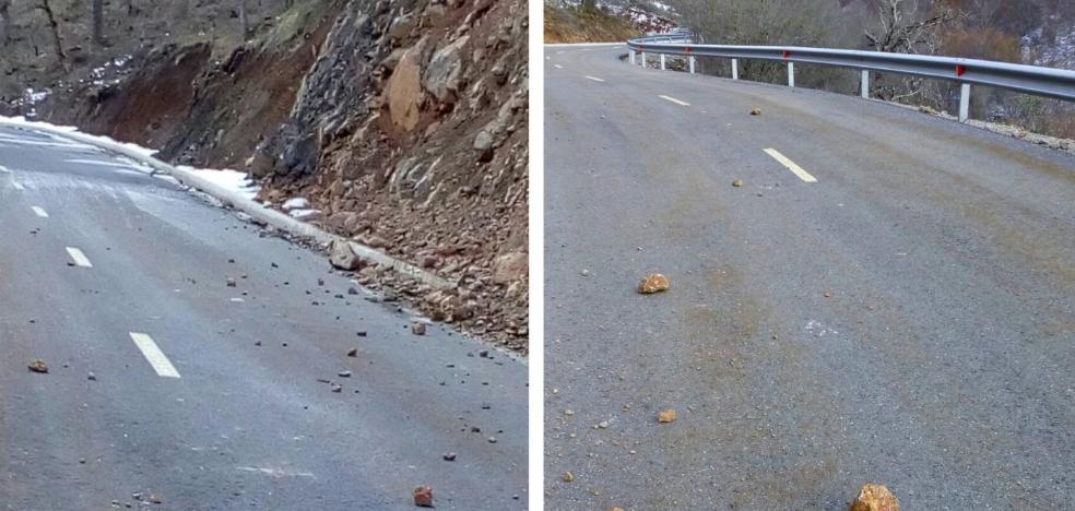 Cascotes en la carretera de las Viniegras