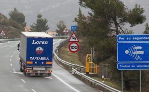Un estudio alerta de que el veto de camiones en la N-232 traslada la siniestralidad a otras vías