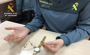 Detenido un empleado de hogar por robar joyas a los ancianos que cuidaba