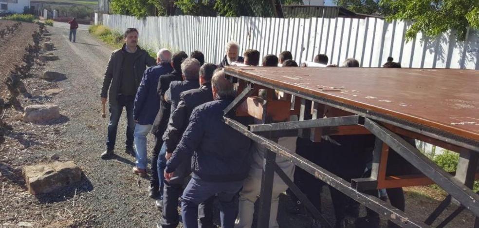 42 personas se ofrecen para portar la 'Virgen de la Soledad' en Semana Santa