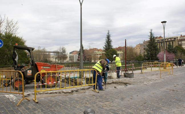 Nájera renueva el adoquinado del puente de San Juan de Ortega