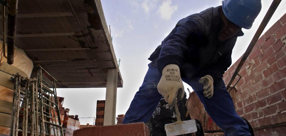 Los trabajadores perdieron poder adquisitivo en 2017 al elevarse los salarios la mitad que el IPC