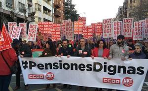 Multitudinaria protesta en Logroño en defensa de las pensiones
