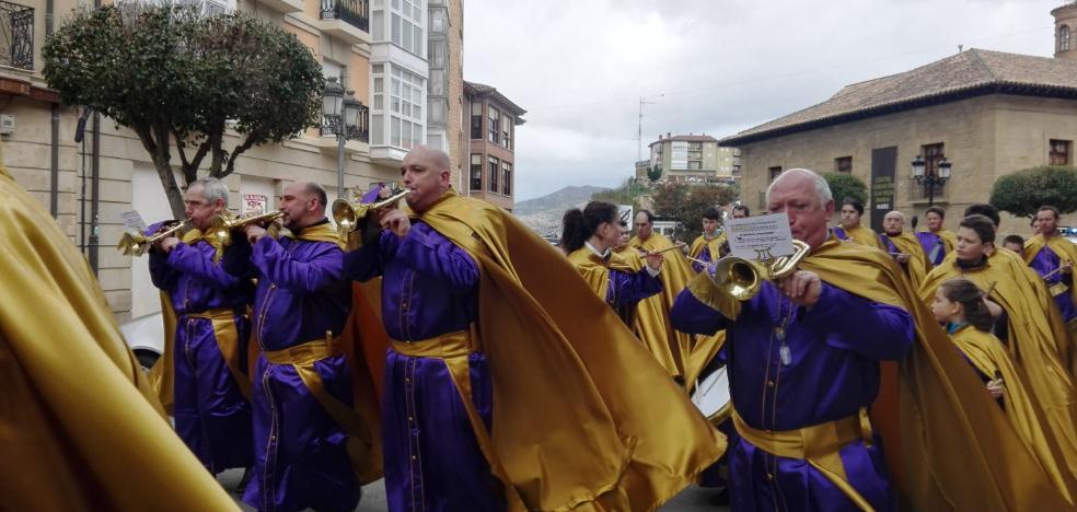 LAS CALLES DE HARO RETUMBAN CON EL RITMO DE LA EXALTACIÓN