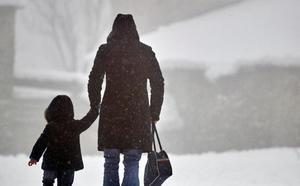 Nieve, viento, olas y frío ponen en alerta a 16 comunidades