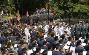 Ceniceros anima a los riojanos a participar en el Día de la Fuerzas Armadas
