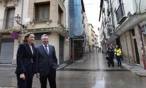 El regreso de los Mercedes: el PP compra un coche de la misma marca que le criticó a Santos