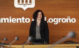 El PSOE pide a Gamarra que se disculpe ante Santos por usar los Mercedes como 'arma política'