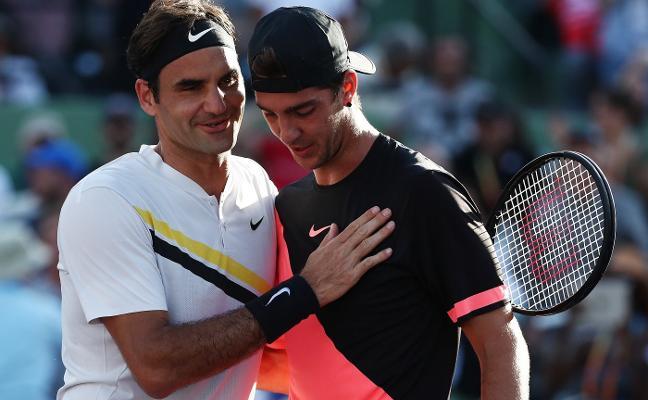 Federer cede el cetro mundial a Nadal y no jugará en tierra