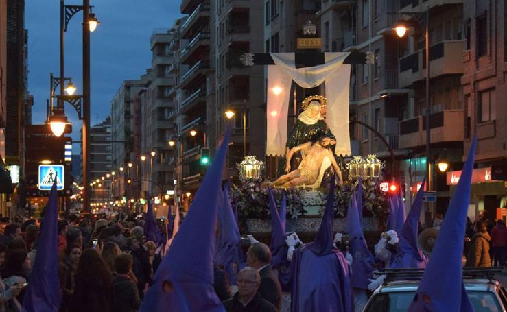 Semana Santa en Logroño 2018: Vía Crucis penitencial de la Cofradía de Nuestra Señora de la Piedad