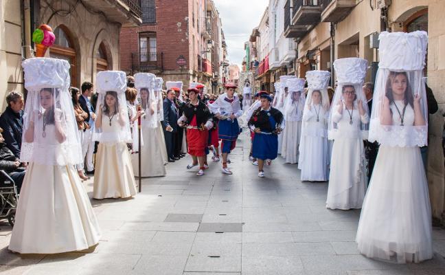 La procesión de las doncellas reunirá este año a 24 jóvenes