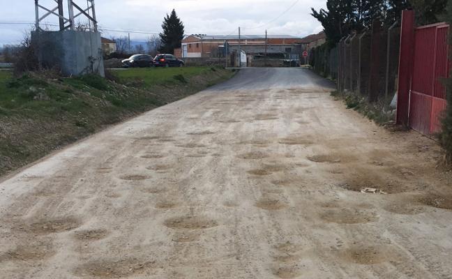 Barrón critica el estado del camino de la Carrasquilla