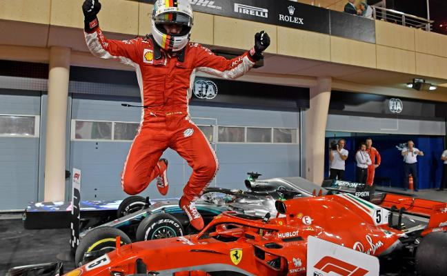 Sebastian Vettel saca el escudo