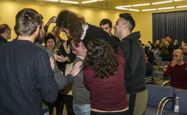 Gonzalo Peña seguirá como concejal tras lograr el respaldo de la asamblea de Cambia Logroño